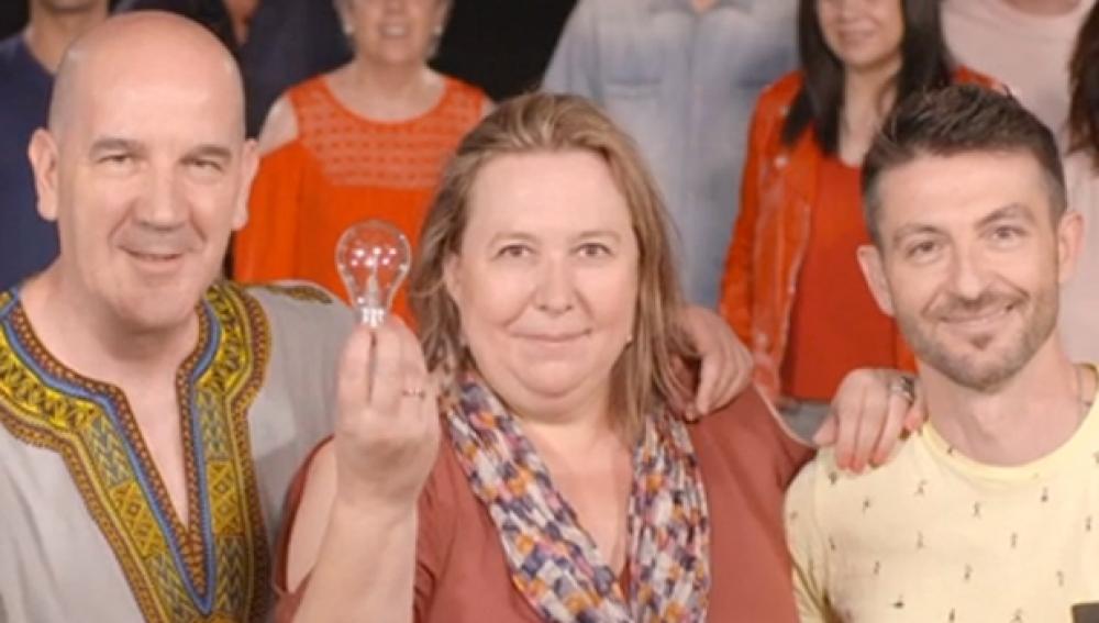 'Grandes Profes, Grandes Iniciativas' se estrena con un mensaje de televisión protagonizado por profesores