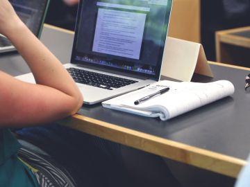 Los titulados en FP encuentran trabajo 9 meses después de graduarse