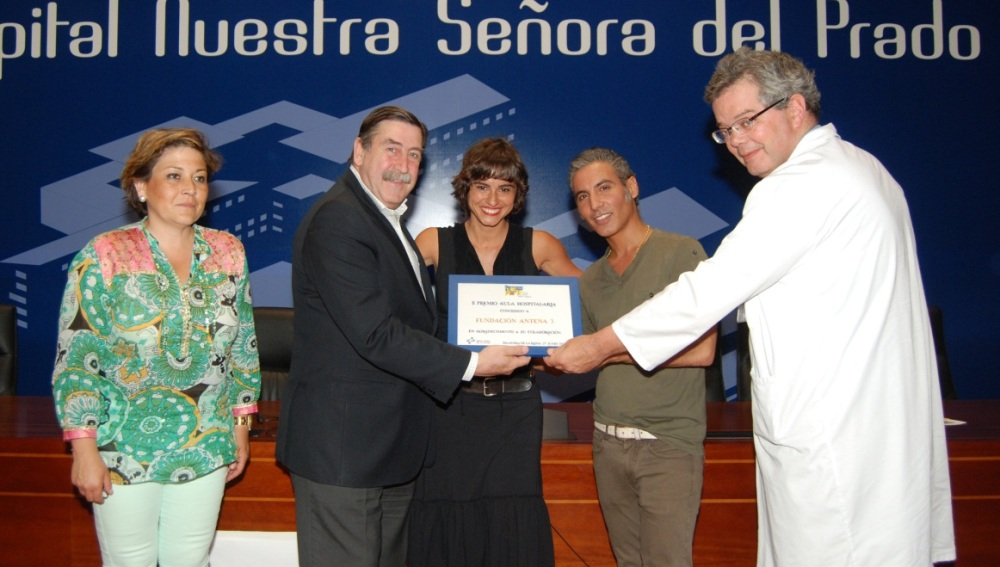 Imagen de la entrega del premio 'Aula Hospitalaria'