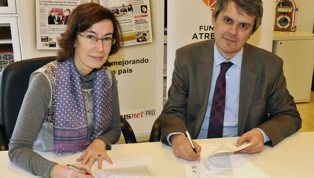 Carmen Bieger, directora de la Fundación Atresmedia y José María de Moya, director general de Grupo Siena