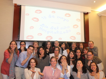 Un beso redondo ayuda a humanizar los hospitales infantiles