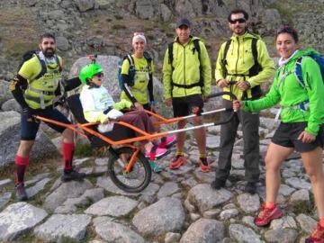Por primera vez una persona con discapacidad sube a la Laguna Grandes de Gredos