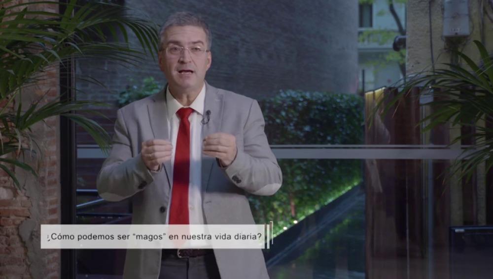 """Xosé Manuel Domínguez: """"Podemos ser magos en nuestra vida diaria"""""""